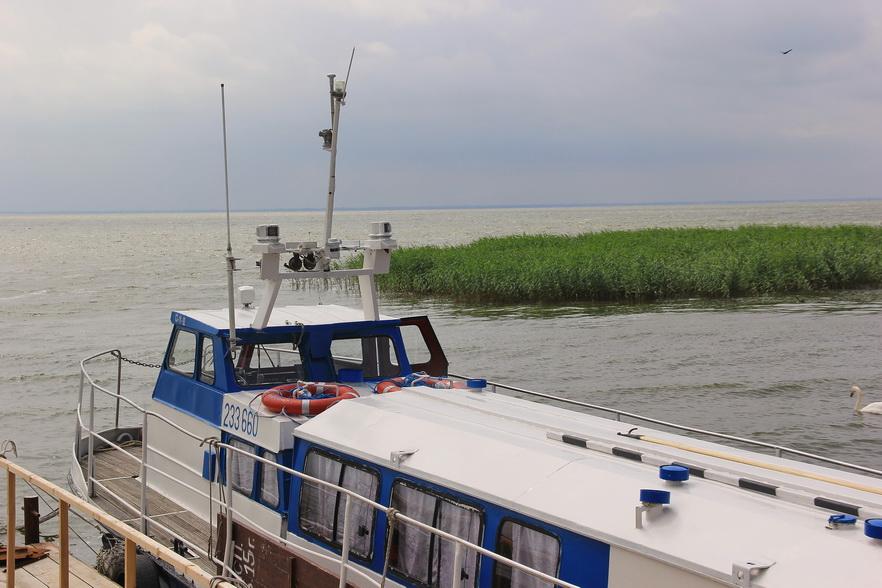 лодка куршском заливе
